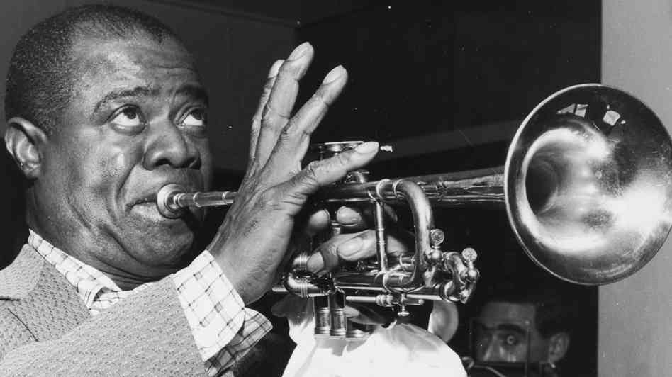 a life history of louis armstrong the musician Louis armstrong was the greatest jazz musician of the twentieth century and a giant of modern american culture pops: a life of louis armstrong history see.